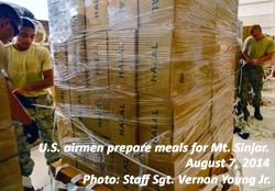 American airmen prepare food for Mt. Sinjar refugees